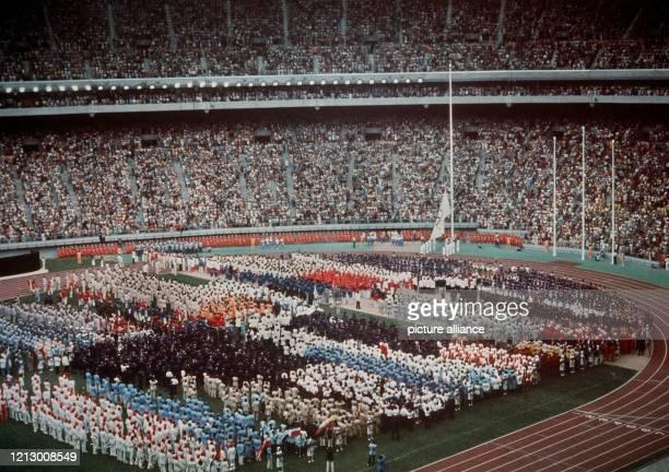Übersicht des Olympia-Stadions von Montreal/Kanada während der Eröffnungsfeier am .