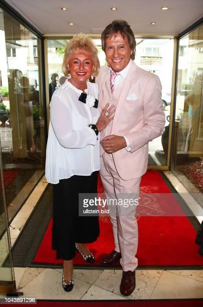 Bert Beel mit Ehefrau Monika bei dem 75. Geburtstag von Otfried Laur im Seehotel am Lietzensee in Berlin