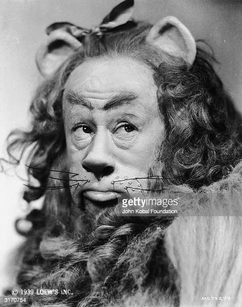 Bert Lahr in costume as the cowardly lion in the musical 'The Wizard of Oz' directed by Victor Fleming for MGM