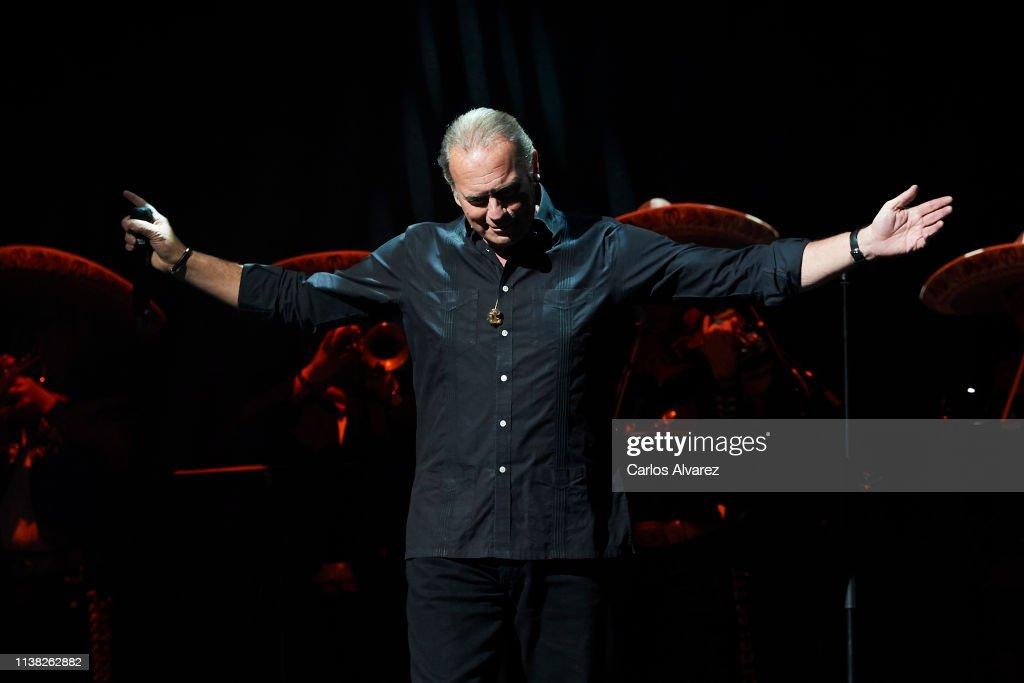 ESP: Photocall - Bertin Osborne Concert In Madrid
