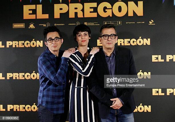 Berto Romero Belen Cuesta and Andreu Buenafuente attend 'El Pregon' photocall on March 15 2016 in Madrid Spain