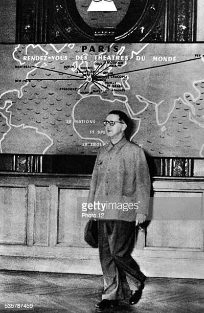 Bertold Brecht in Paris at the Nations Festival 20th century France Paris Bibliothèque nationale