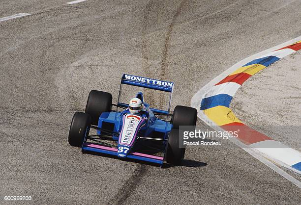 Bertrand Gachot of Belgium drives the Moneytron Onyx Formula One Onyx ORE1 Ford DFR V8 during the French Grand Prix on 9th July 1989 at the Circuit...