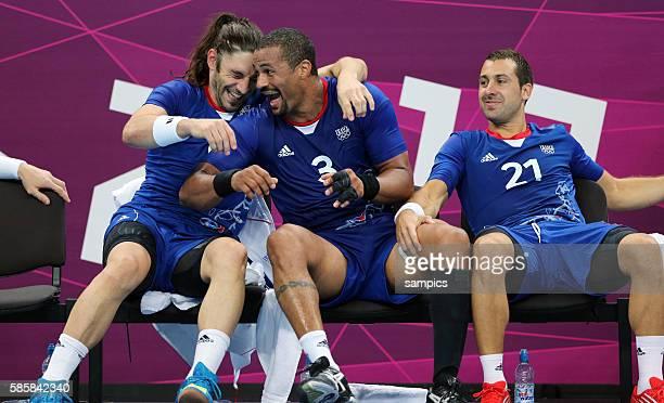 Bertrand GILLE Didier DINART und Michael Gouigou jubeln über den Einzug ins Finale Olympische Sommerspiele 2012 London Handball Männer Halbfinale...