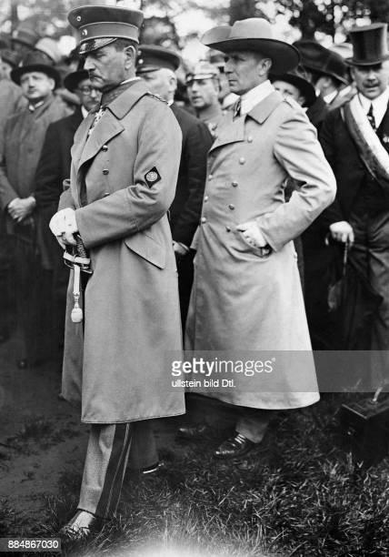 Berufssoldat Politiker Deutschland von 1933 bis 1945 Reichsstatthalter in Bayern Sennecke Originalaufnahme im Archiv von ullstein bild