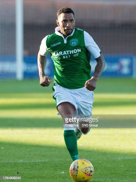 Jermaine Pennant in action for Hibernian