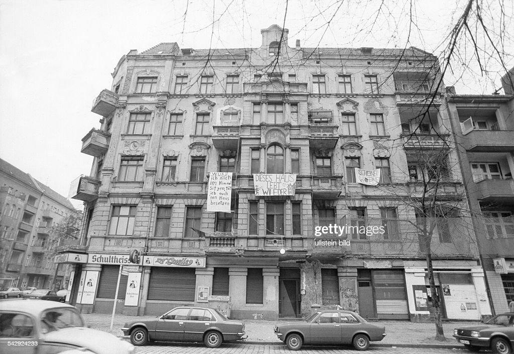 Besetztes Haus In Der Schluterstrasse In Berlin News Photo