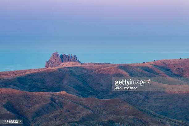 besh barmag at dusk - kaukasus geografische lage stock-fotos und bilder