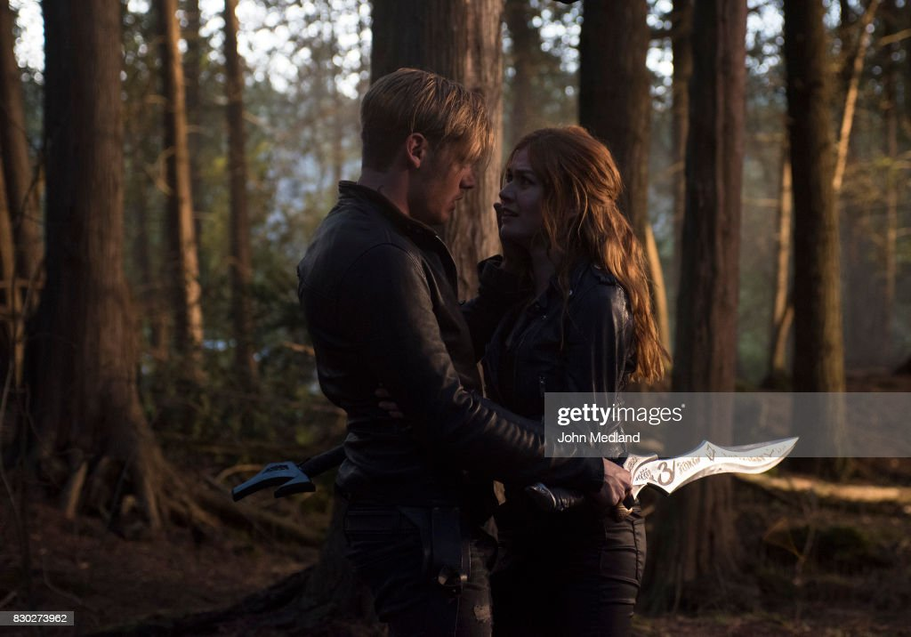 SHADOWHUNTERS - Beside Still Water - Shadowhunters are divided as Alec and Isabelle battle a swarm of demons attacking the city, as Jace and Clary must head to make a final stand in Beside Still Water, the season finale of Shadowhunters airing on Monday, Aug. 14th at 8:00 - 9:00 PM