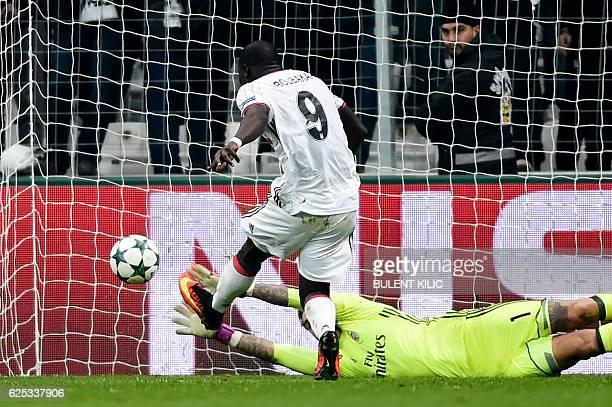 Besiktas' Vincent Aboubakar scores a goal during the UEFA Champions League Group B football match between Besiktas Istanbul and Benfica Lisbon at...