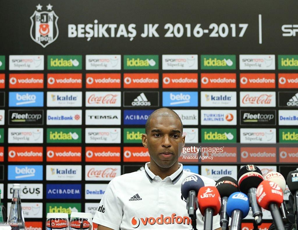 Besiktas's new transfer Ryan Babel press conference  : ニュース写真