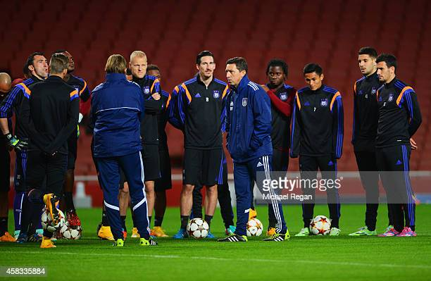 Besnik Hasi coach of Anderlecht talks to his players during an RSC Anderlecht training session ahead of the UEFA Champions League match against...