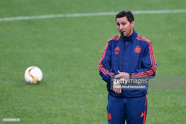 Besnik Hasi head coach of Anderlecht speaks to his players during a RSC Anderlecht training session ahead of the UEFA Europa League match against...