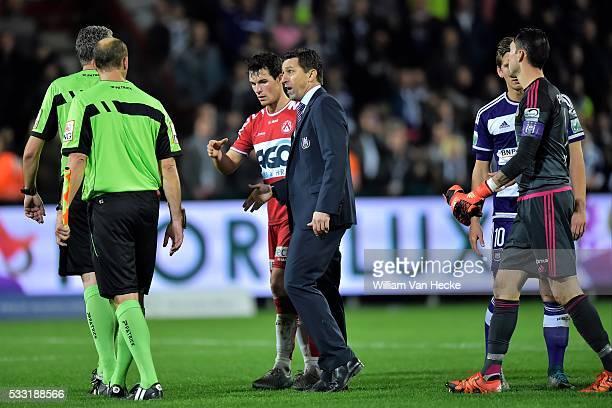 Besnik Hasi head coach of Rsc Anderlecht in discussion with referee Van De Velde after the Jupiler Pro league match between KV Kortrijk and RSC...