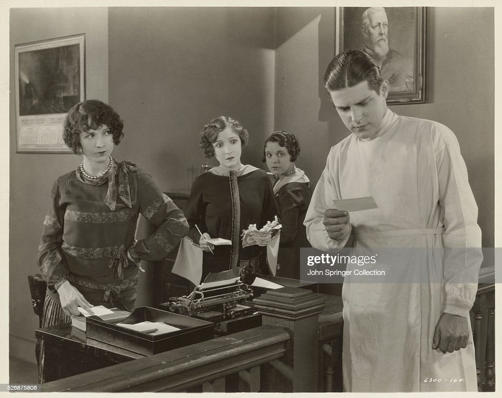 Bessie Love and Malcolm McGregor Acting Together : News Photo