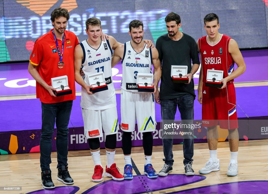 Best 5 of the tournament Pau Gasol, Luka Doncic, Goran Dragic, Aleksei Shved and Bogdan Bogdanovic pose for a photo during the cup ceremony after the FIBA Eurobasket 2017 final basketball match between Slovenia and Serbia at the Sinan Erdem Dome in Istanbul, Turkey on September 17, 2017.