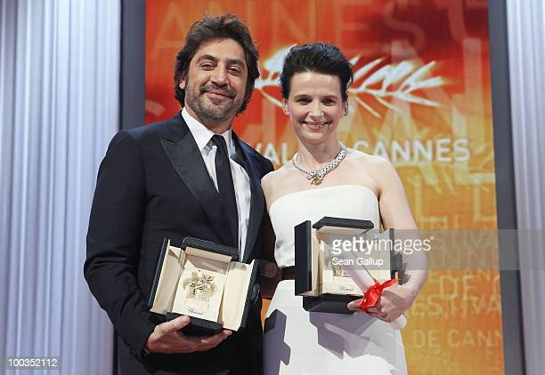 Best Actor for his role in 'Biutiful' Javier Bardem and Best Actress for her role in 'Certified Copy' Juliette Binoche pose after winning during the...