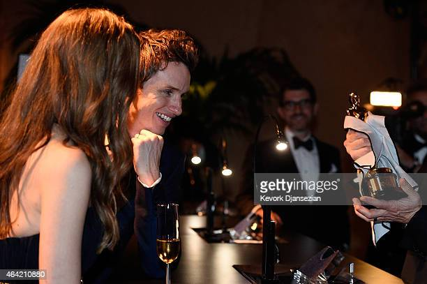 Best Actor in a Leading Role winner Eddie Redmayne and Hannah Bagshawe attend the 87th Annual Academy Awards Governors Ball at Hollywood Highland...