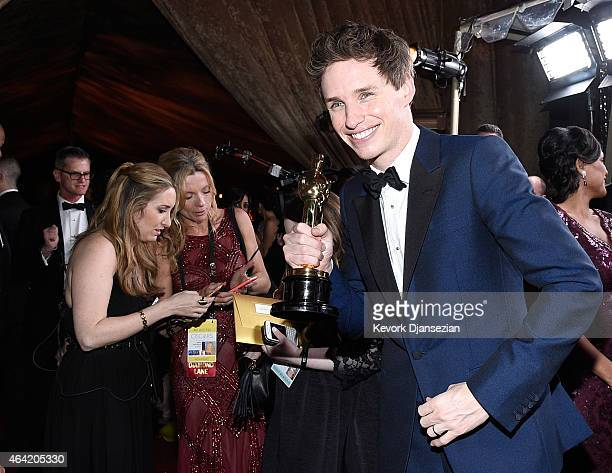 Best Actor in a Leading Role winner Eddie Redmayne attends the 87th Annual Academy Awards Governors Ball at Hollywood Highland Center on February 22...