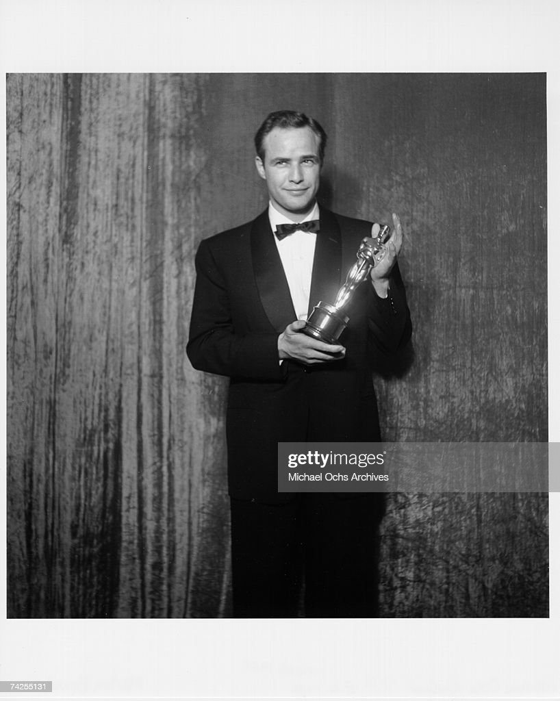Best Actor Winner With His Oscar : News Photo