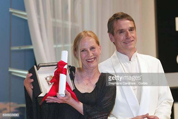 Best Actress Kati Outinen 'Mies Vailla Menneisyytta' and Jeremy Irons