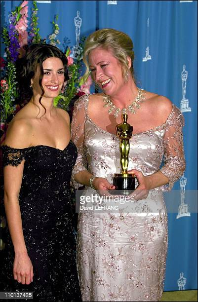 Best costume design for Janty Yates Gladiator and Penelope Cruz at 73rd American Academy Awards Ceremony in Los Angeles United States on March 25 2001
