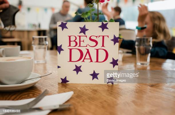 best dad card for fathers day or fathers birthday celebration - insignia stock pictures, royalty-free photos & images