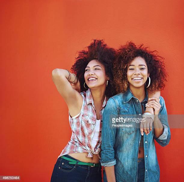 Migliori amici i momenti ancora più felice felice
