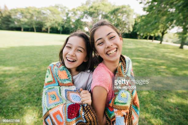 best friends - pre adolescent child stock pictures, royalty-free photos & images