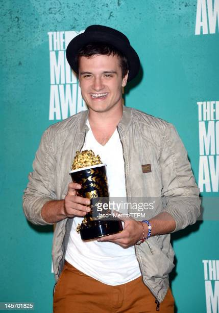 Best Male Performance winner Josh Hutcherson poses in the press room during the 2012 MTV Movie Awards held at Gibson Amphitheatre on June 3 2012 in...