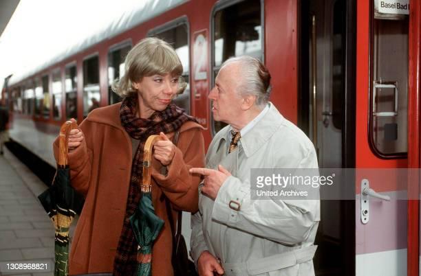 Best of - Ein größerer Gegensatz als der zwischen dem chaotischen Professor Möller und seiner peniblen Sekretärin Pia Makowiak ist schier undenkbar....