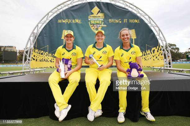 Best Player Of The Series winner Jessica Jonassen of Australia poses with Best Player Of The Match Ashleigh Gardner of Australia and ICC T20 Player...