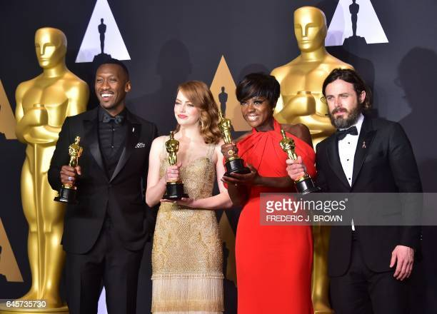 Best Supporting Actor Mahershala Ali Best Actress Emma Stone Best Supporting Actress Viola Davis and Best Actor Casey Affleck pose in the press room...