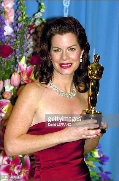 Best supporting actress Marcia Gay Harden in Pollock at 73rd American Academy Awards Ceremony in Los Angeles United States on March 25 2001