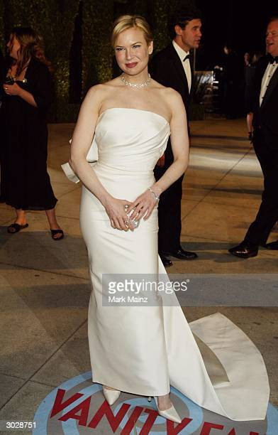 Best Supporting Actress Oscar winner Renee Zellweger attends The 2004 Vanity Fair Oscar Party at Mortons Restaurant February 29 2004 in Hollywood...
