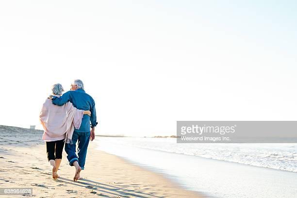 best way to spend vacations - terceira idade imagens e fotografias de stock