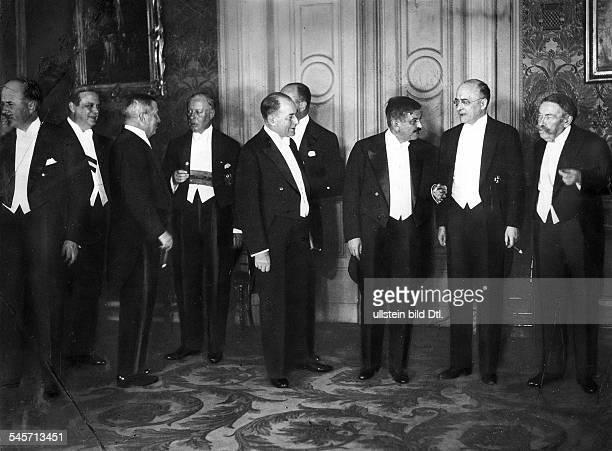 Besuch des französischenMinisterpräsidenten Laval und desAussenministers Briand in BerlinEmpfang durch Reichskanzler HeinrichBrüning in der...