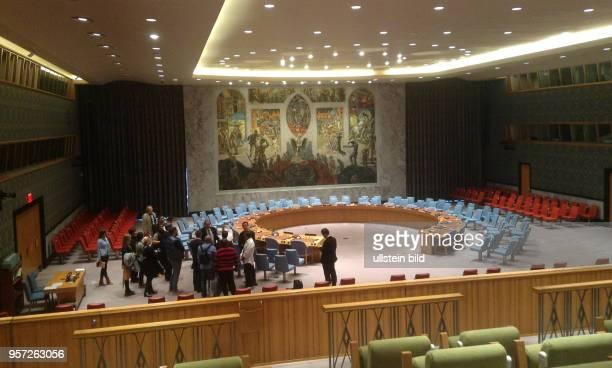 Besucher im Saal vom Sicherheitsrat der UNO UNO Haedquarters am East River gelegen Hier tagt ua die Vollversammlung und der Sicherheitsrat der UNO
