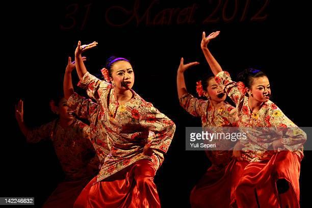 Betel Cherished Studio participate in the Malay Traditional Dances Festival at Sri Bintan on March 31 2012 in Bintan Island Indonesia Malay dancing...