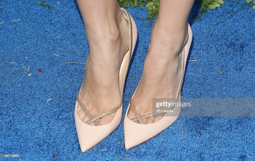 Porno Lebanese Beth Behrs Closeup Pictures Of Her Feet