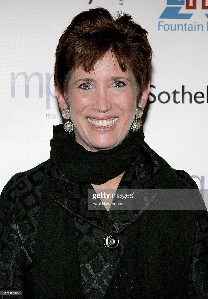 Beth DeWoody attends an auction of photographer Francesco Scavullo's work benefiting Fountain House at Sotheby's April 4, 2006 in New York City.