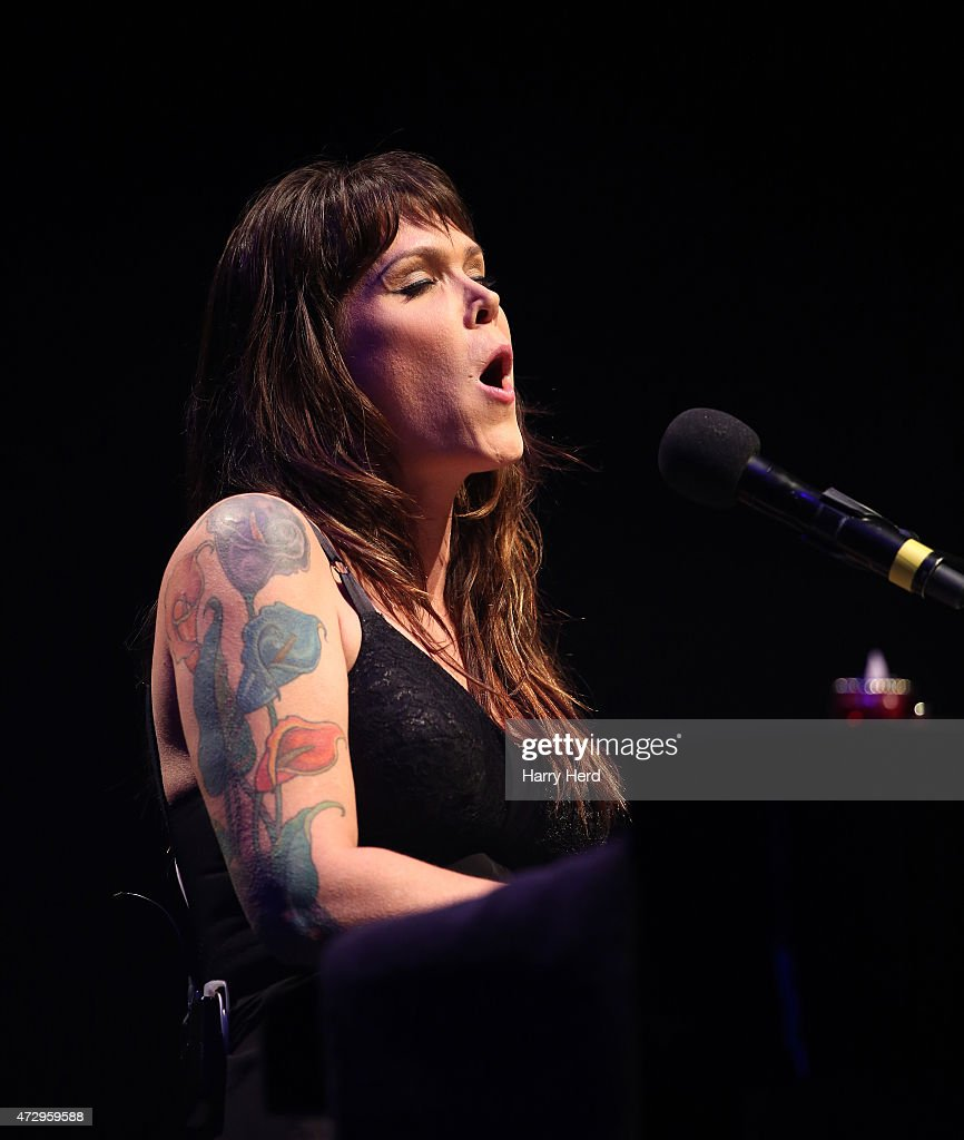 Beth Hart Wiki Best beth hart performs at the barbican photos and images | getty images