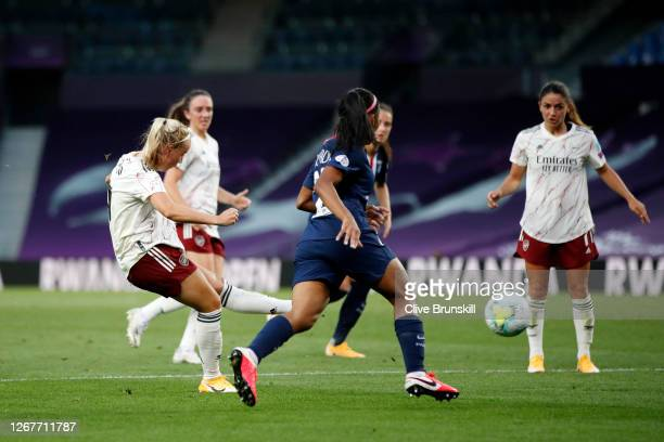 Beth Mead of Arsenal scores her team's first goal during the UEFA Women's Champions League Quarter Final between Arsenal FC Women and Paris...