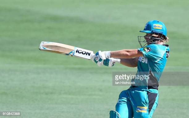 Beth Mooney of the Heat bats during the Women's Big Bash League match between the Brisbane Heat and the Sydney Thunder at The Gabba on January 27,...