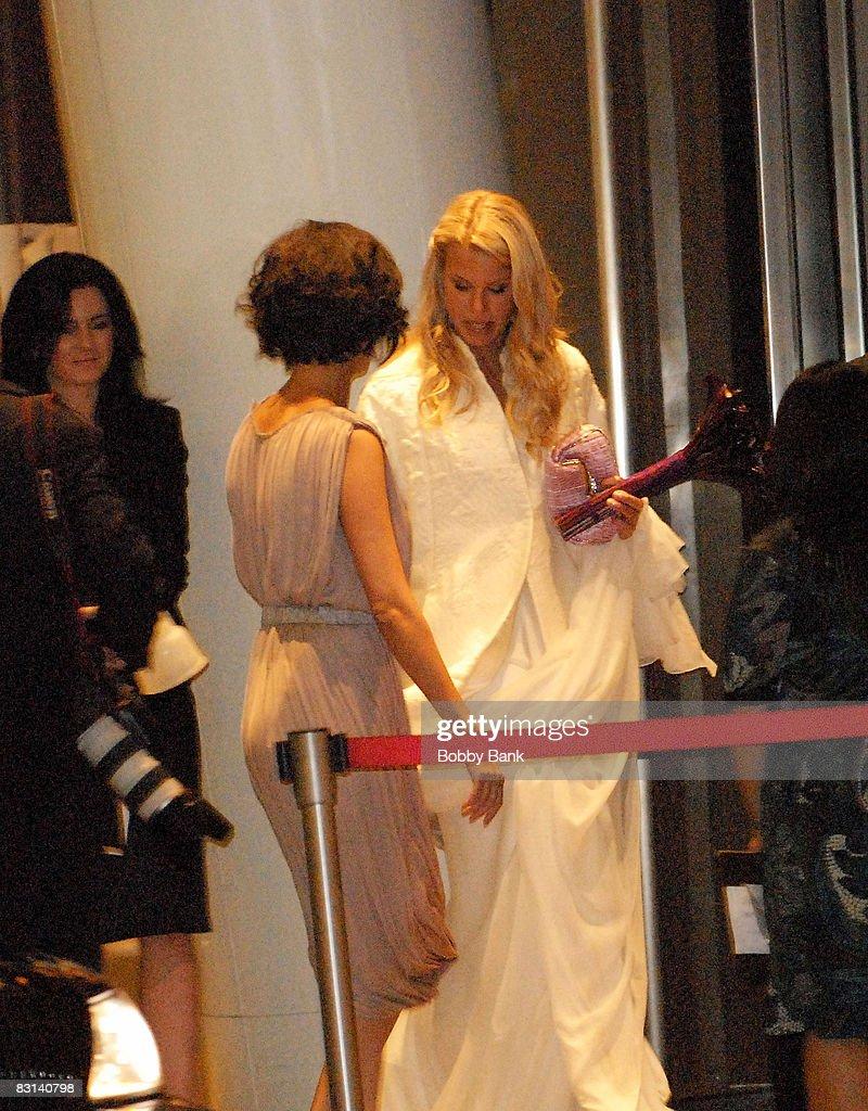 Howard Stern and Beth Ostrosky Wedding : News Photo