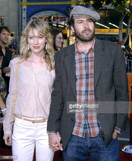 Beth Riesgraf and Jason Lee during War of the Worlds Los Angeles Premiere and Fan Screening Arrivals at Grauman's Chinese Theater in Los Angeles...
