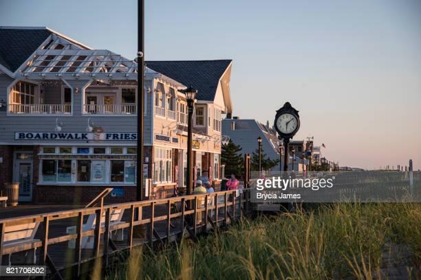 日の出ベタニヤ ビーチ ボードウォーク - デラウェア州 ストックフォトと画像