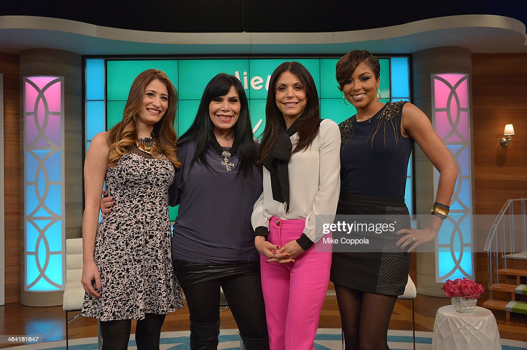Bethenny Hosts Kandi Burruss, Renee Graziano, Alicia Quarles & Dr. Travis Stork