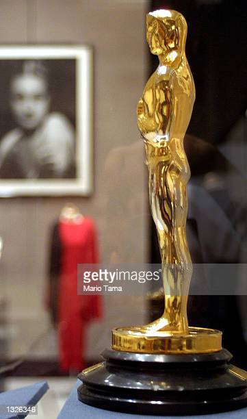 oscar statue for sale ストックフォトと画像 getty images