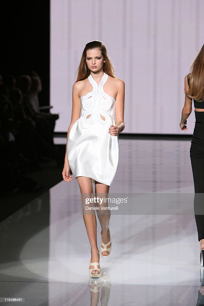Bette Franke Runway Milan Fashion Week Spr...